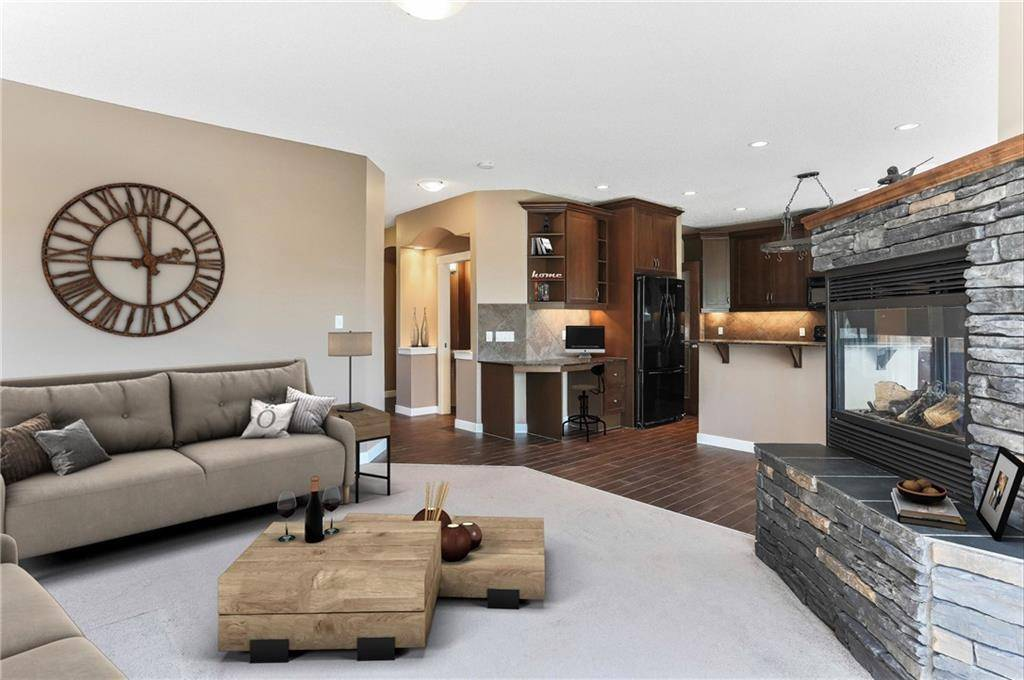 House for sale at 31 Drake Landing Dr Drake Landing, Okotoks Alberta - MLS: C4257201