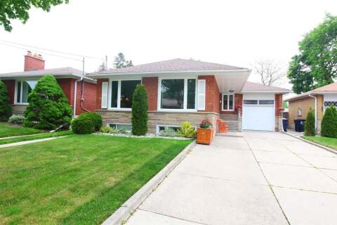 House for sale at 31 Fenley Dr Toronto Ontario - MLS: W4777385