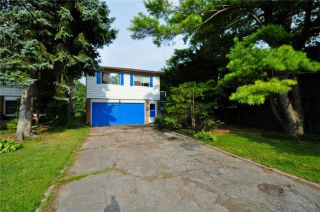 For Rent: 31 Gladys Road, Toronto, ON   4 Bed, 2 Bath House for $2500.00.
