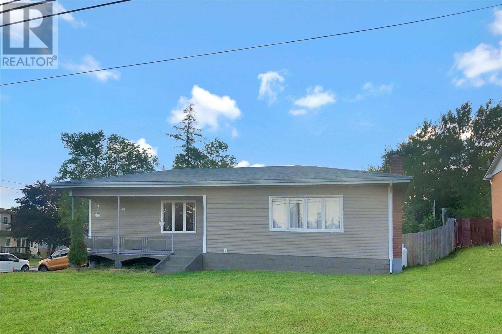 House for sale at 31 Hamilton St Gander Newfoundland - MLS: 1219018