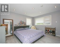 For Sale: 31 Lakeridge Road, Whitby, ON | 3 Bed, 2 Bath House for $1,499,000. See 20 photos!