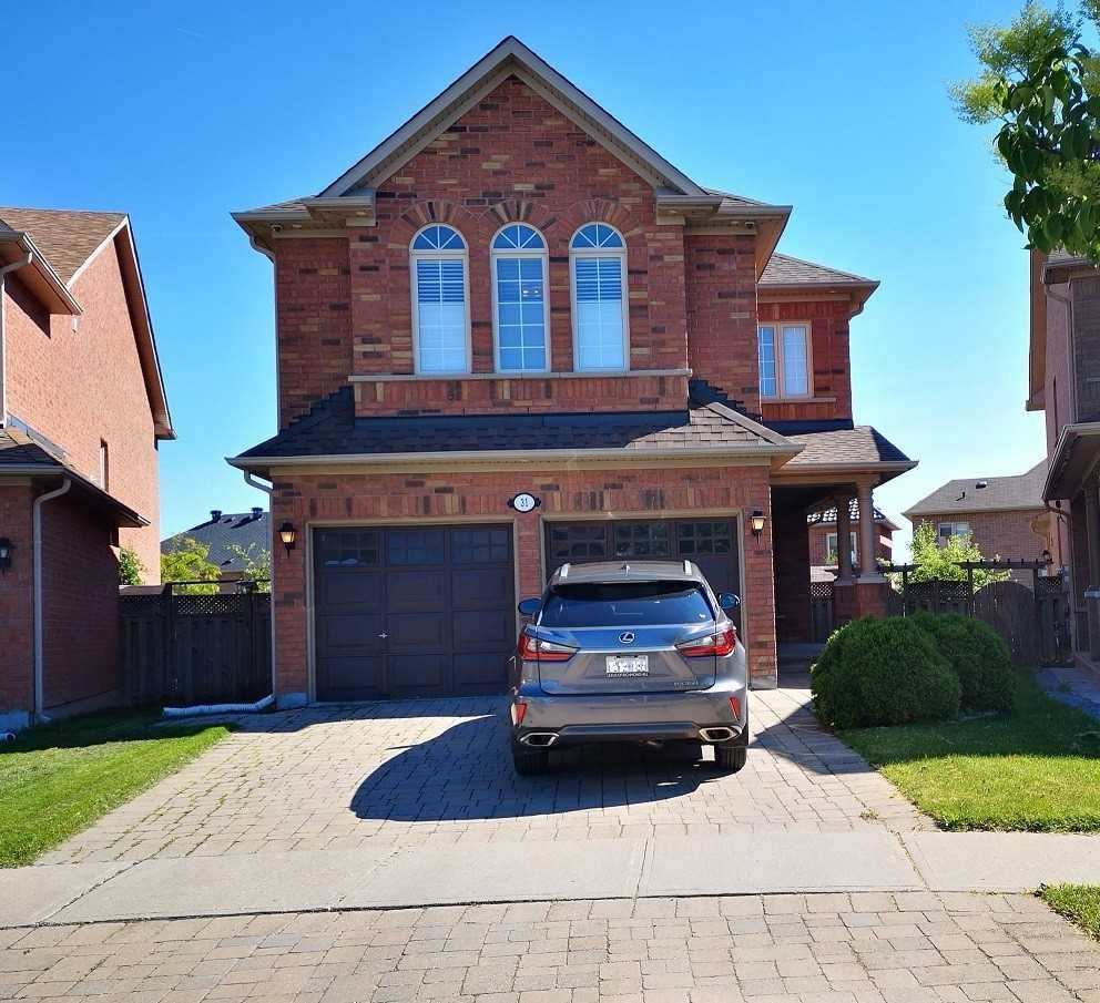 31 Remington Drive, Richmond Hill