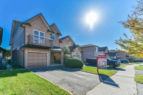 House for sale at 31 Rosebud Ave Brampton Ontario - MLS: W4996478