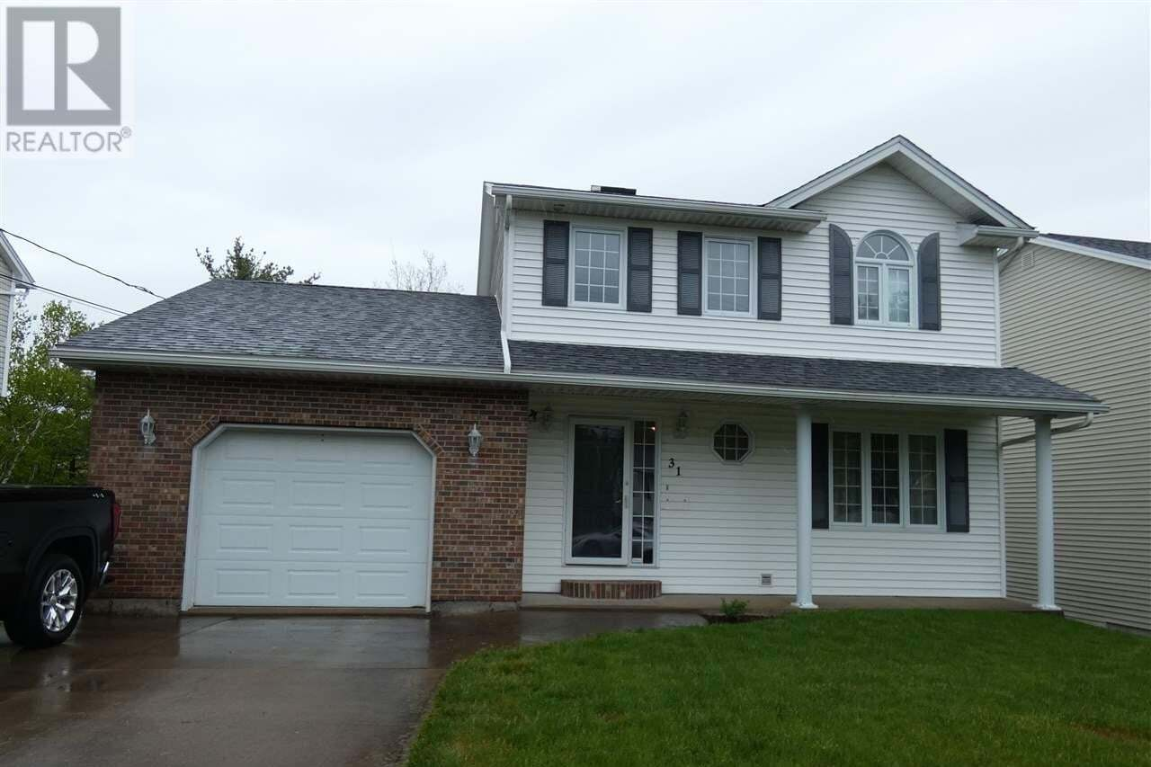 House for sale at 31 Sea King Dr Dartmouth Nova Scotia - MLS: 202009334