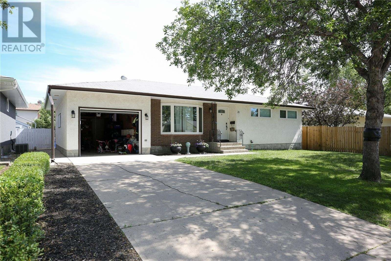 House for sale at 31 Selby Cres Regina Saskatchewan - MLS: SK814505