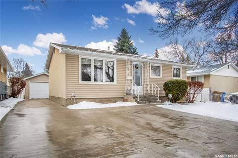 House for sale at 31 Thorn Cres Regina Saskatchewan - MLS: SK792665