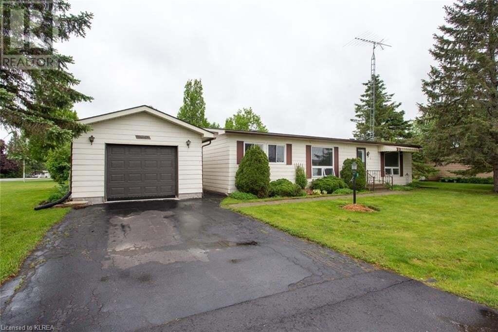 Home for sale at 31 Vista Dr Lindsay Ontario - MLS: 262891