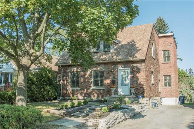For Sale: 31 White Birch Road, Toronto, ON | 3 Bed, 4 Bath House for $1,300,000. See 16 photos!
