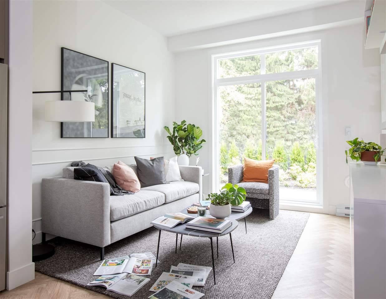 Buliding: 13933 105a Avenue, Surrey, BC