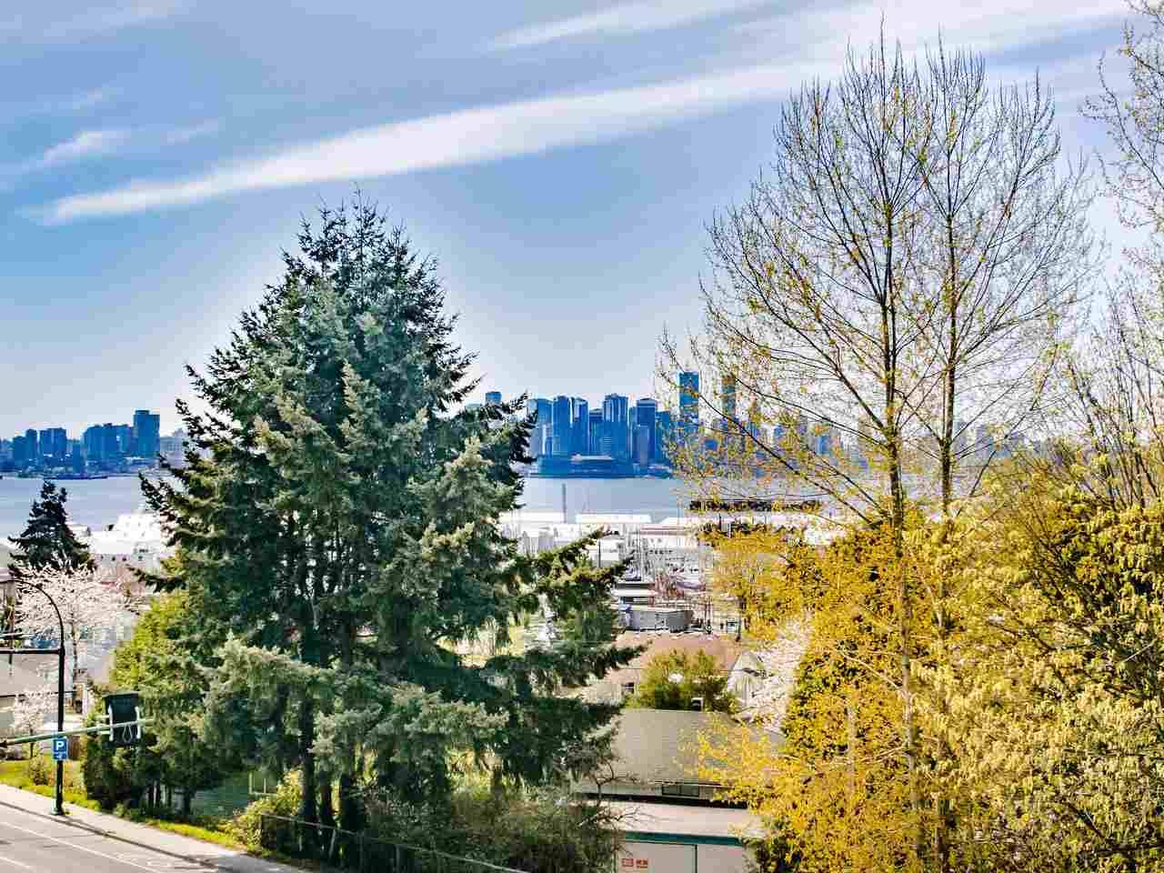 Buliding: 212 Forbes Avenue, North Vancouver, BC
