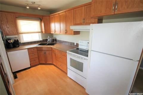 310 3rd Avenue NW, Swift Current | Image 2