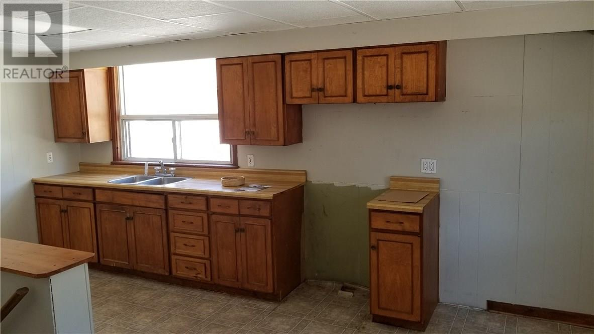 For Sale: 310 Main Street East, Cambridge, ON   2 Bed, 1 Bath House for $289,000. See 7 photos!