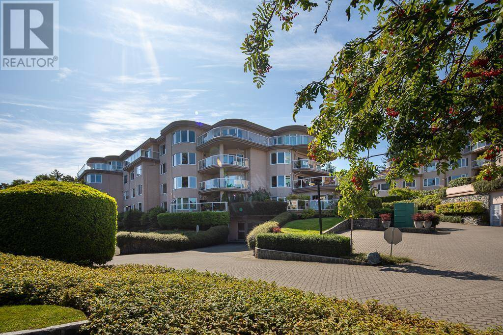 Condo for sale at 2829 Arbutus Rd Unit 3101 Victoria British Columbia - MLS: 414912