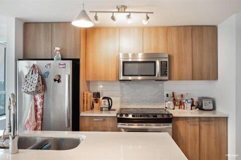 Condo for sale at 13325 102a Ave Unit 3105 Surrey British Columbia - MLS: R2530494