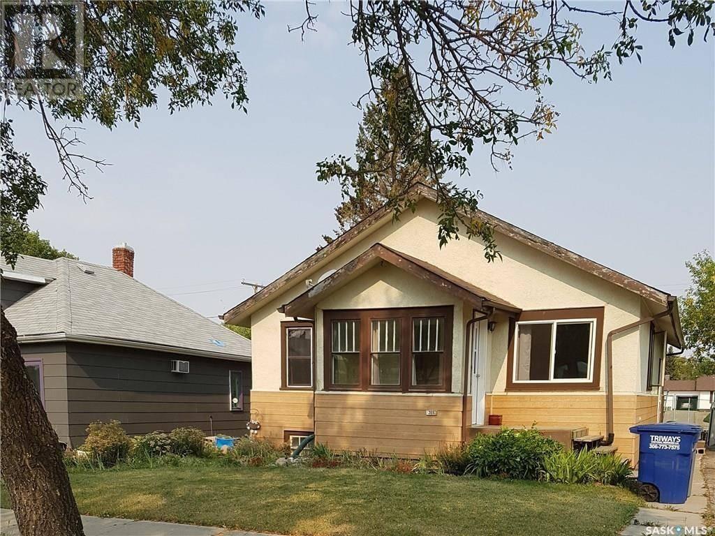 House for sale at 311 Centre St Cabri Saskatchewan - MLS: SK770249