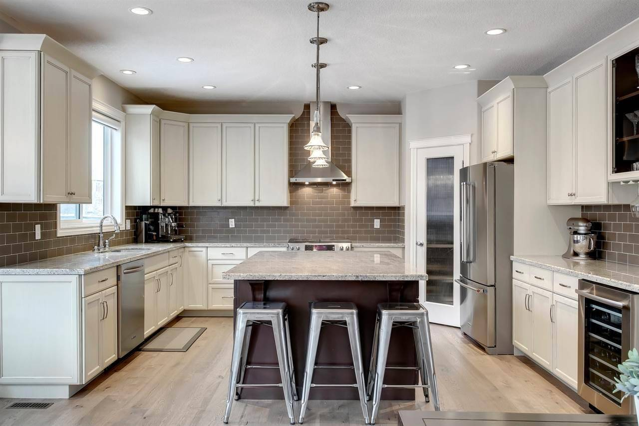 House for sale at 311 Magrath Blvd Nw Edmonton Alberta - MLS: E4181989
