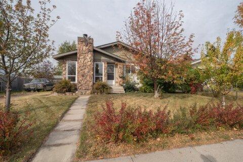 House for sale at 311 Maitland Hl NE Calgary Alberta - MLS: A1041122