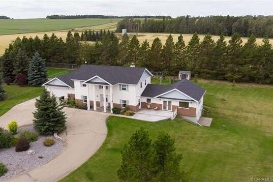House for sale at 3110 Township Road 411  Rural Lacombe County Alberta - MLS: CA0186398