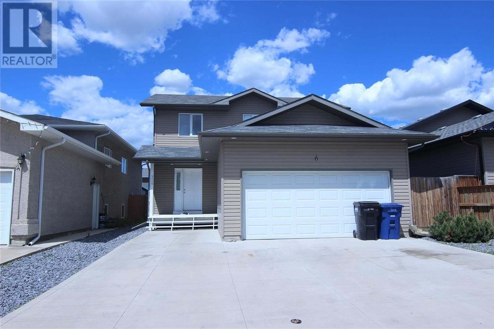 House for sale at 3114 37th St W Saskatoon Saskatchewan - MLS: SK810732