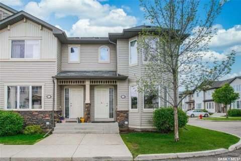 Townhouse for sale at 303 Slimmon Pl Unit 312 Saskatoon Saskatchewan - MLS: SK813880