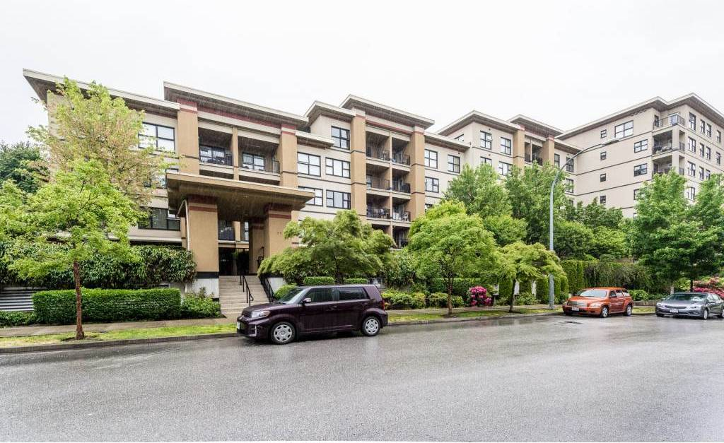 Buliding: 315 Knox Street, New Westminster, BC