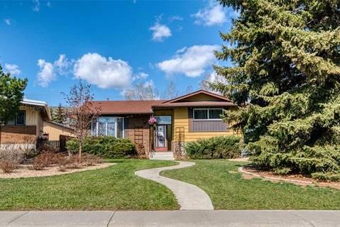House for sale at 312 Lake Bonavista Dr Southeast Calgary Alberta - MLS: C4241669