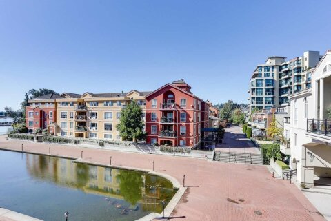 Condo for sale at 2 Renaissance Sq Unit 313 New Westminster British Columbia - MLS: R2512871