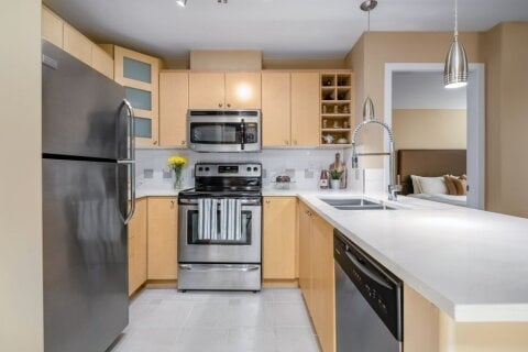 Condo for sale at 3122 St Johns St Unit 313 Port Moody British Columbia - MLS: R2515452