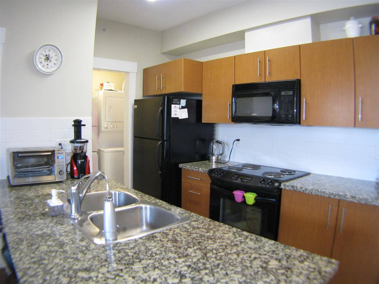 Buliding: 33546 Holland Avenue, Abbotsford, BC
