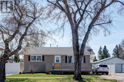 House for sale at 313 3rd St N Wakaw Saskatchewan - MLS: SK772065