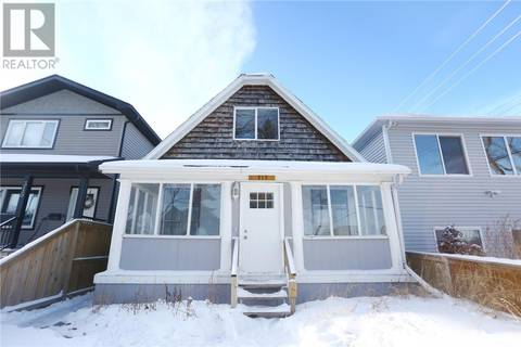 House for sale at 313 G Ave S Saskatoon Saskatchewan - MLS: SK796923