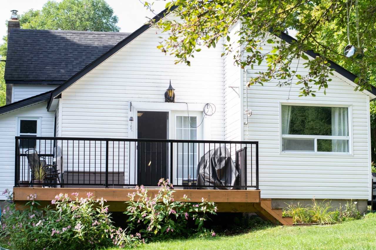 For Sale: 313 Ouida Street, Tay, ON   3 Bed, 1 Bath House for $279000.00. See 11 photos!