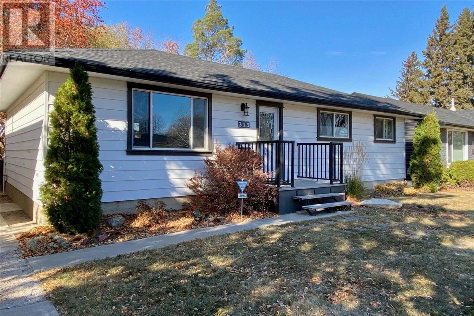 House for sale at 313 Vancouver Ave N Saskatoon Saskatchewan - MLS: SK830706