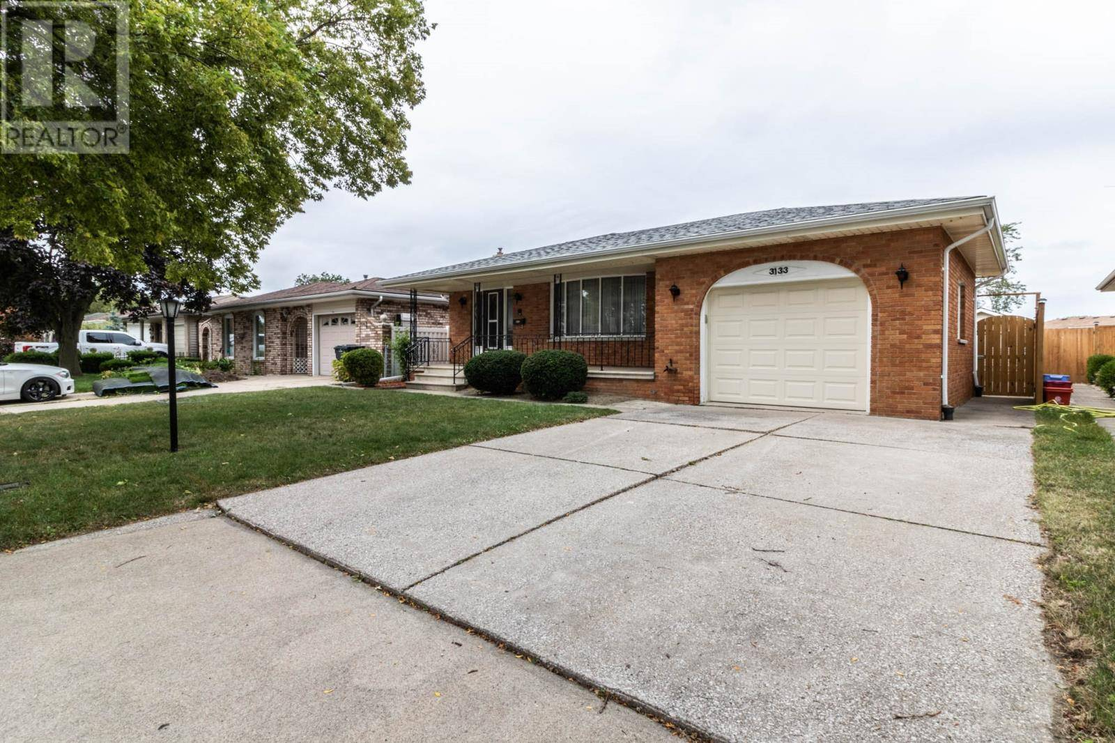 House for sale at 3133 Halpin Rd Windsor Ontario - MLS: 19025116
