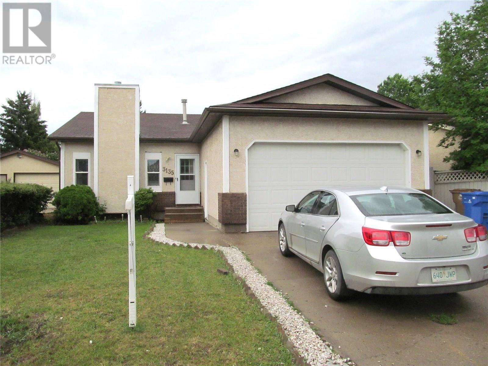 House for sale at 3135 Jenkins Dr E Regina Saskatchewan - MLS: SK773333
