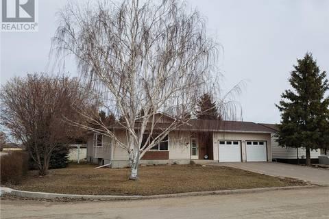 House for sale at 314 7th Ave W Watrous Saskatchewan - MLS: SK796289