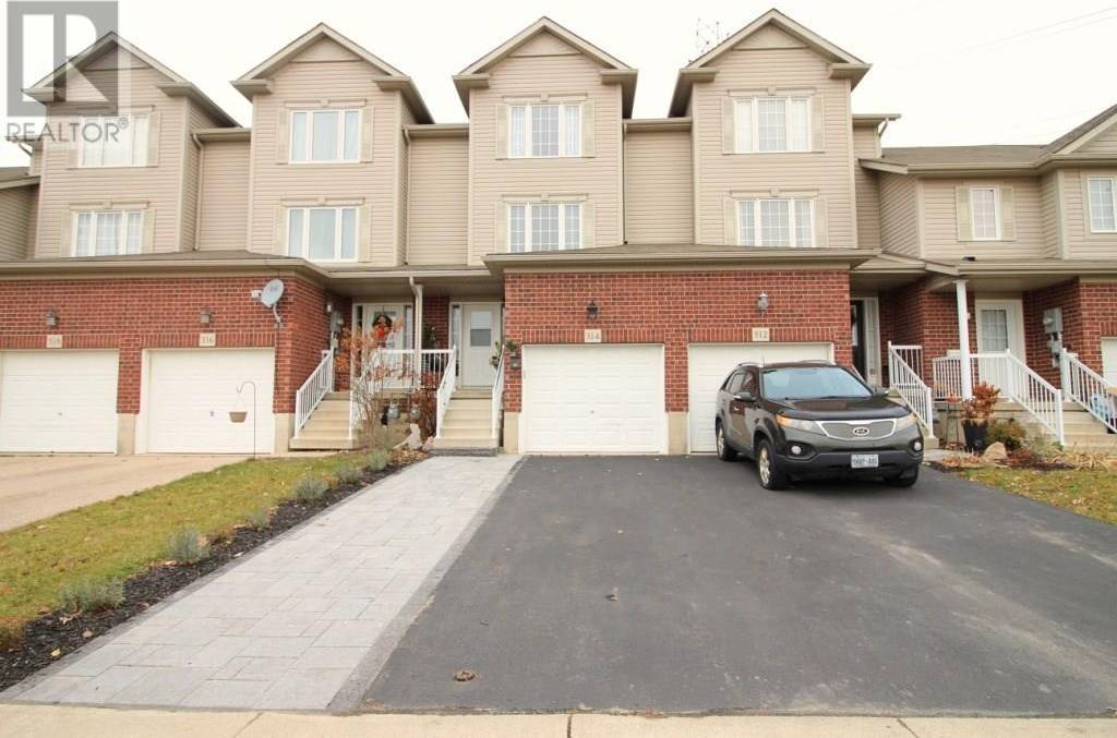 Townhouse for sale at 314 Parkvale Dr Kitchener Ontario - MLS: 30780123