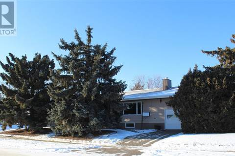 House for sale at 315 4th St E Wilkie Saskatchewan - MLS: SK794059