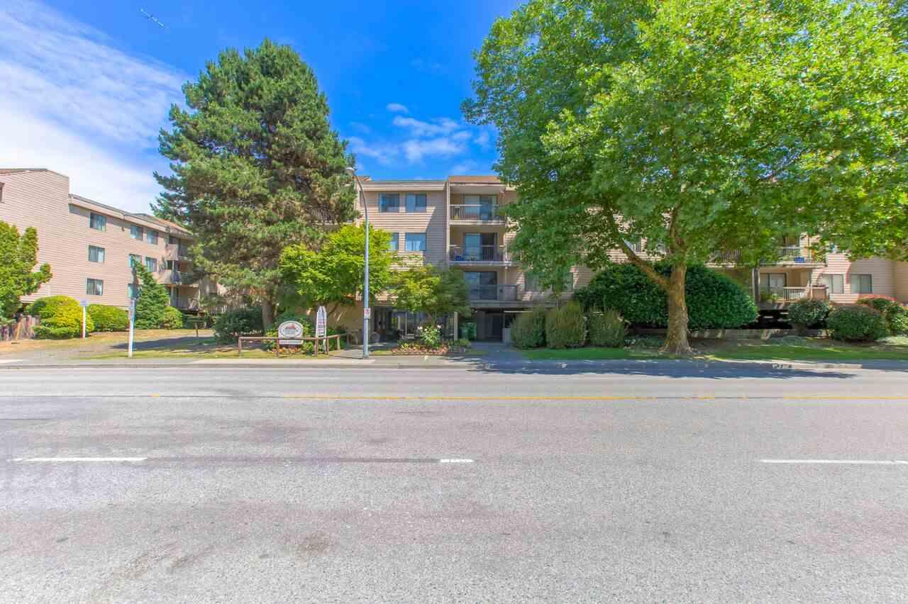 Buliding: 5500 Cooney Road, Richmond, BC