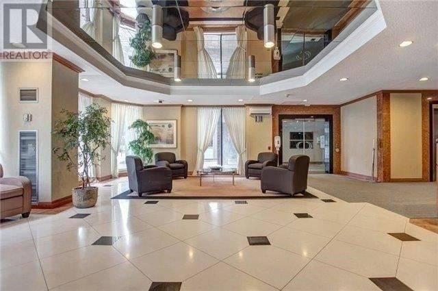 Apartment for rent at 633 Bay St Unit 315 Toronto Ontario - MLS: C4645488