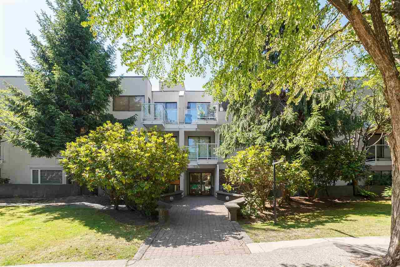 Buliding: 830 East 7th Avenue, Vancouver, BC