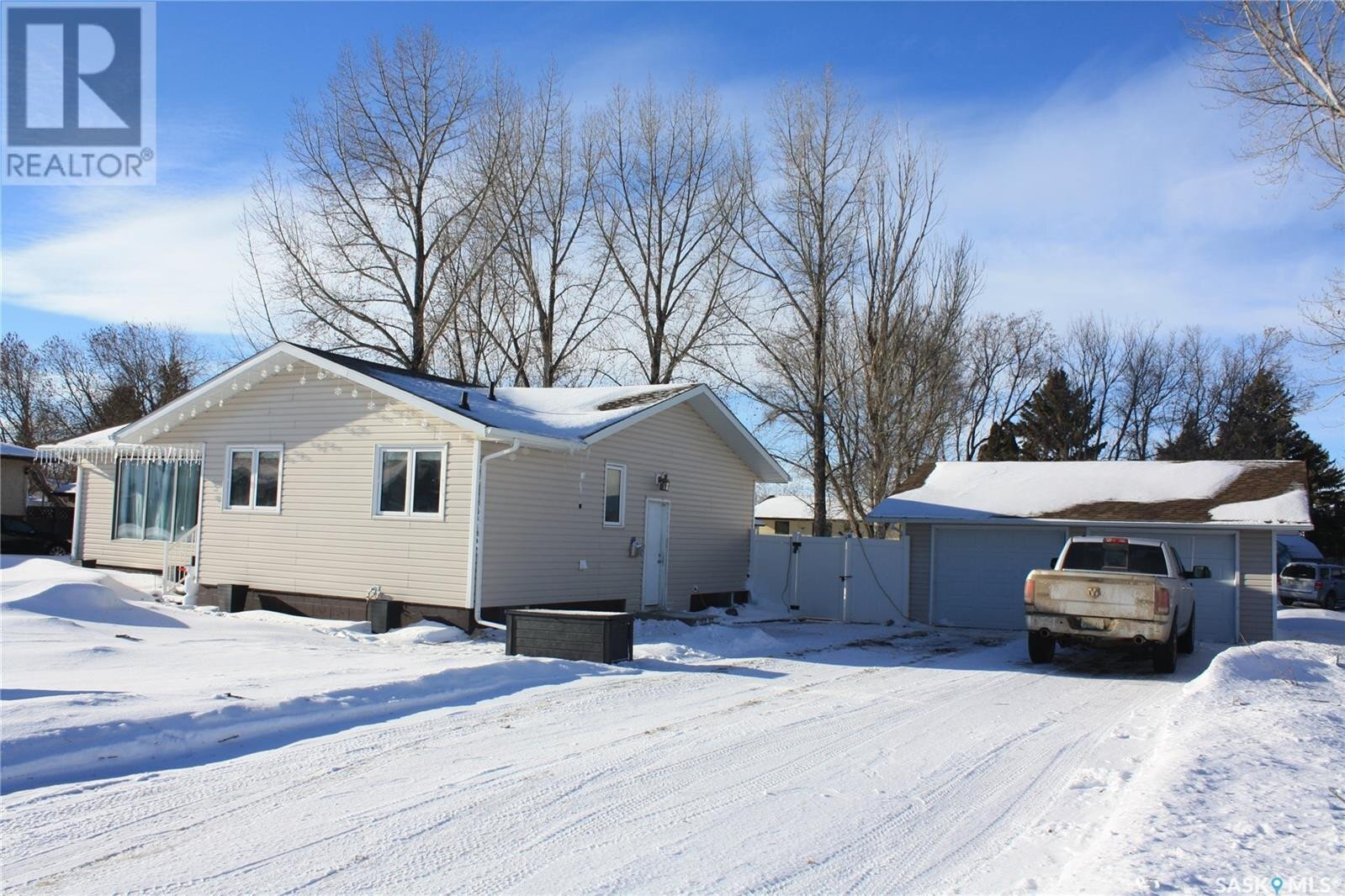 House for sale at 315 Oronsay St Colonsay Saskatchewan - MLS: SK839499