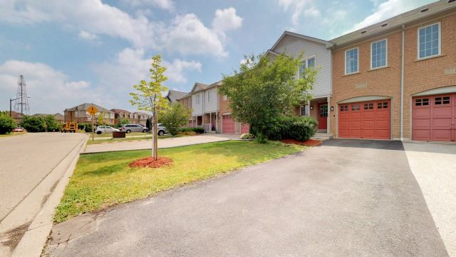 Sold: 3158 Angel Pass Drive, Mississauga, ON