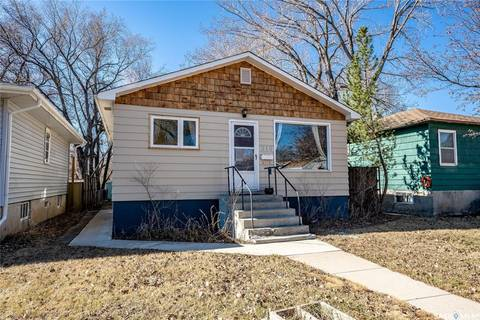 House for sale at 316 Maple St Saskatoon Saskatchewan - MLS: SK803833