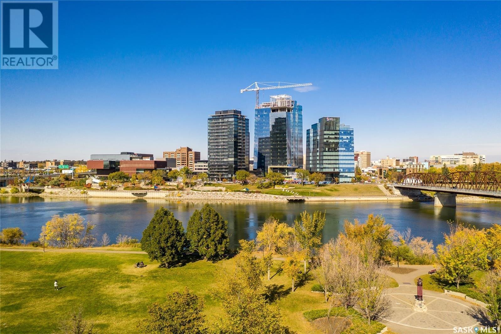 Home for sale at 316 Saskatchewan Cres E Saskatoon Saskatchewan - MLS: SK833128