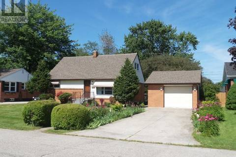 House for sale at 3160 Dandurand  Windsor Ontario - MLS: 19019961
