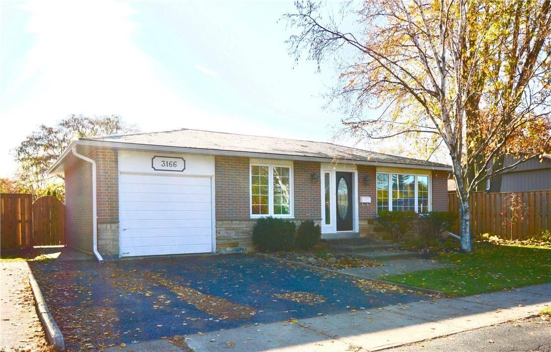 3166 Heathfield Drive, Burlington | Image 1