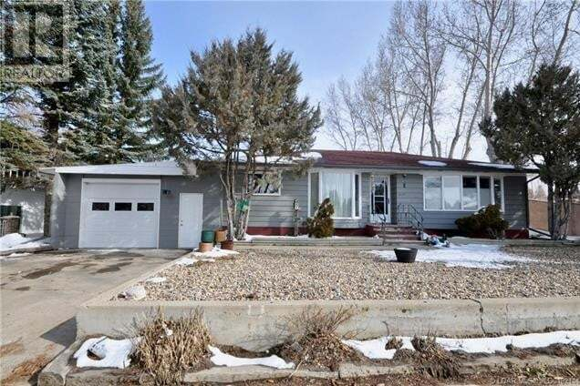 House for sale at 317 2 Ave Northeast Milk River Alberta - MLS: LD0192144