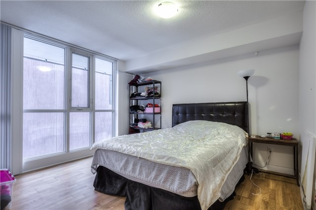 For Sale: 317 - 295 Adelaide Street, Toronto, ON | 1 Bed, 1 Bath Condo for $549,900. See 18 photos!