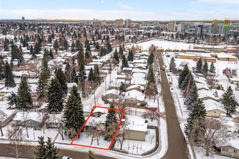 317 Capri Avenue Northwest, Calgary | Image 2